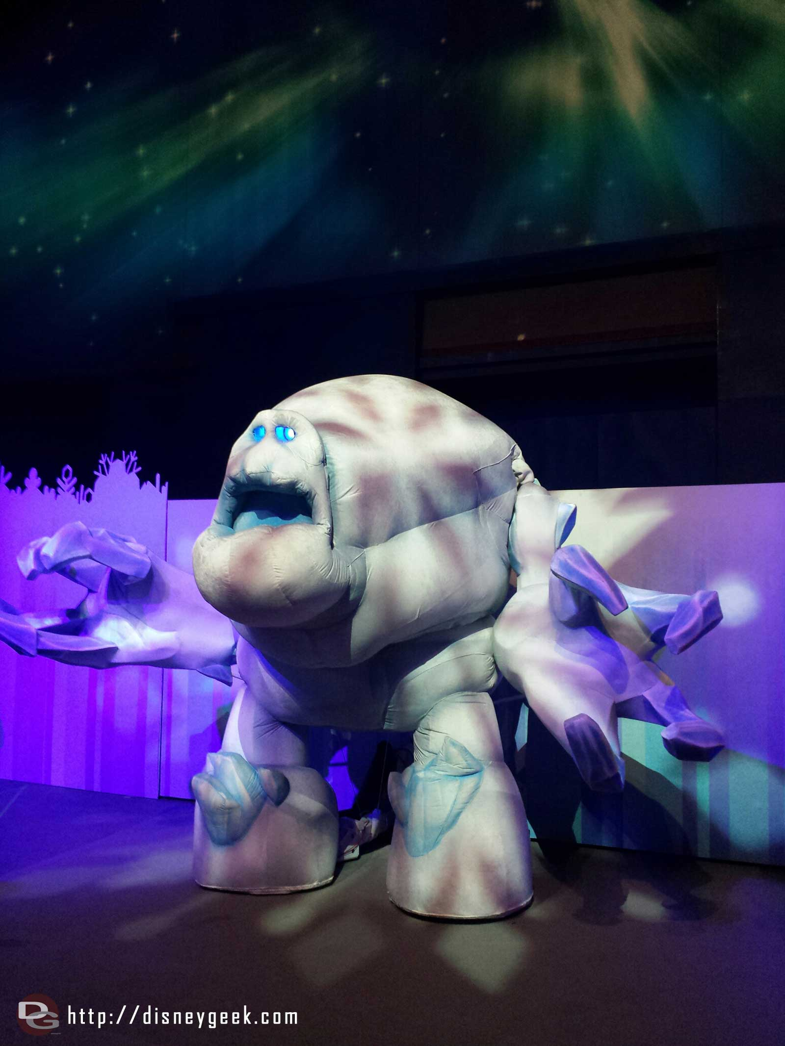 Marshmallow at Freeze the Night #FrozenFun
