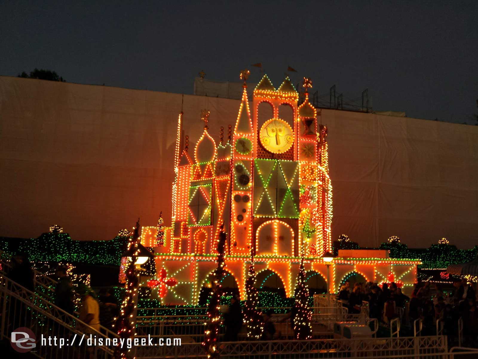 The portions of Small World that are not covered have Christmas lights on this evening still #Disneyland