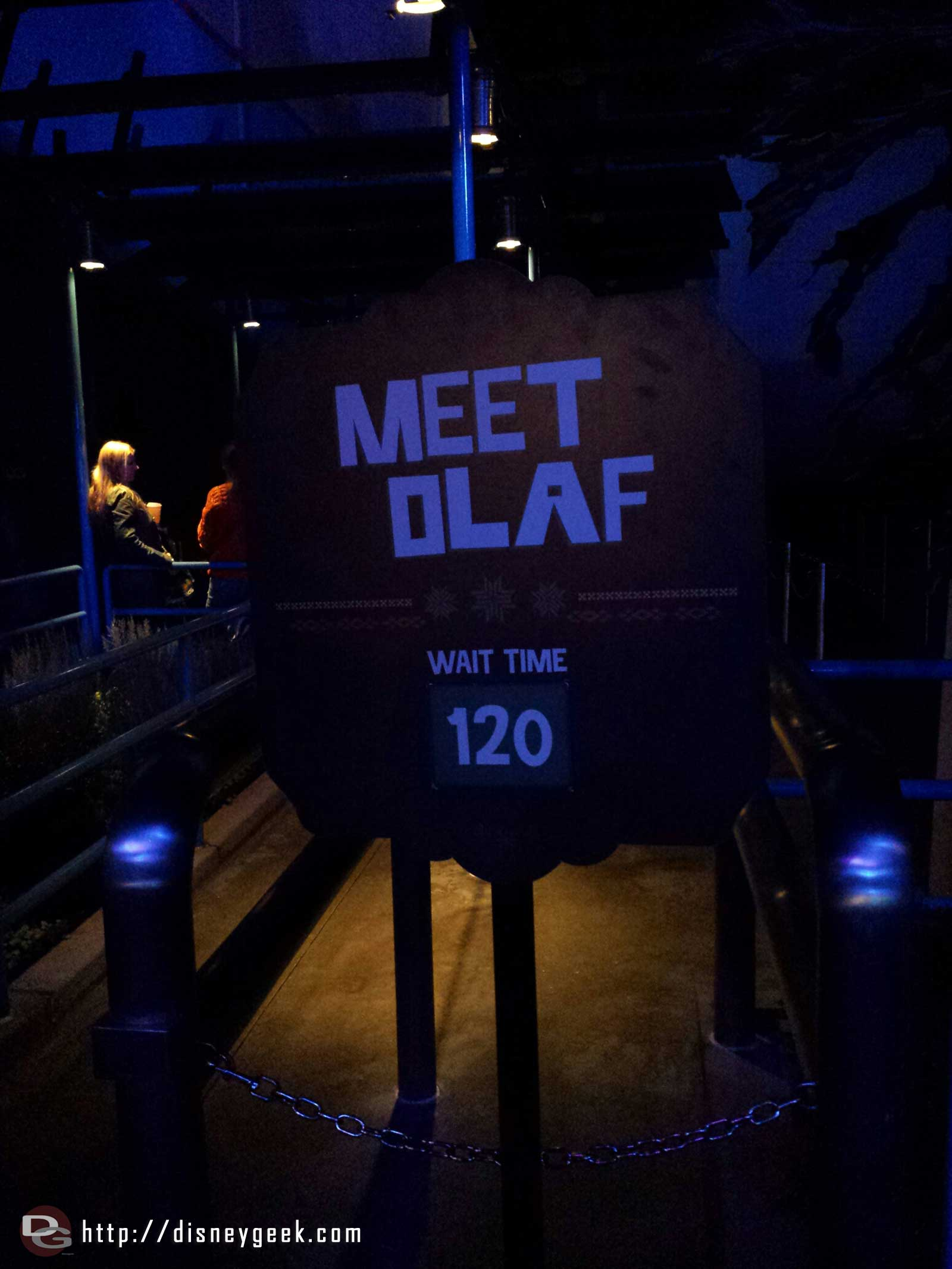 """Only"" 120 minute wait for Olaf tonight #FrozenFun"