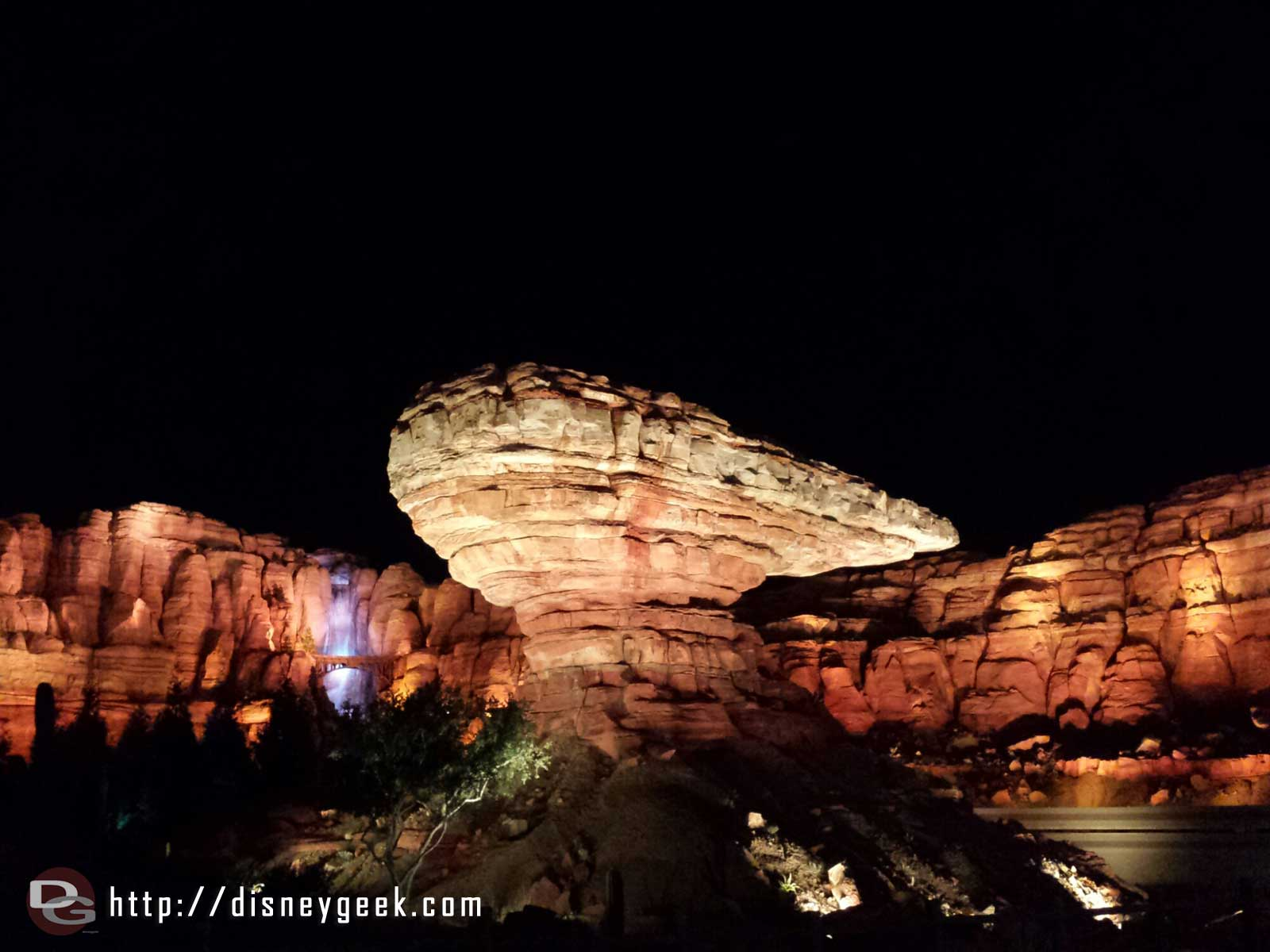 Ornament Valley #CarsLand Racers posted at 65 min this even or about half the Olaf wait #Frozen