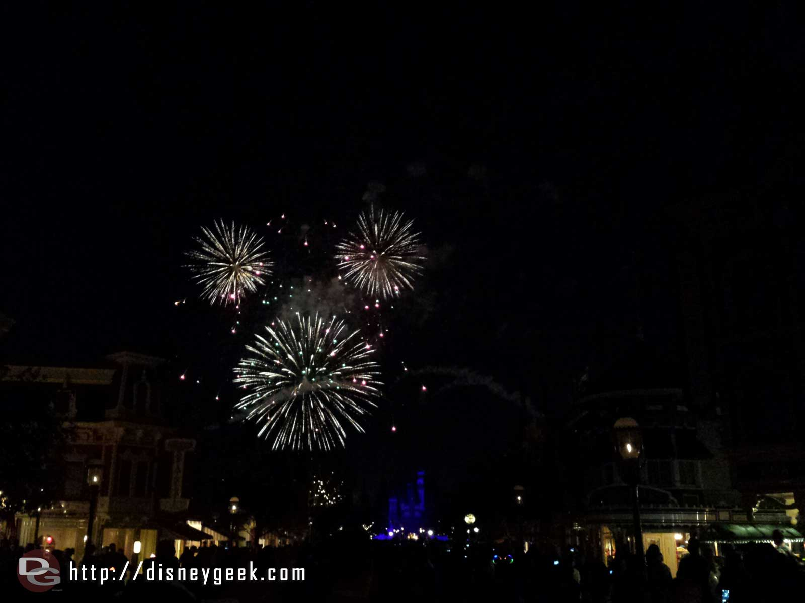 Fantasy in the Sky fireworks – Mickey – #Disneyland