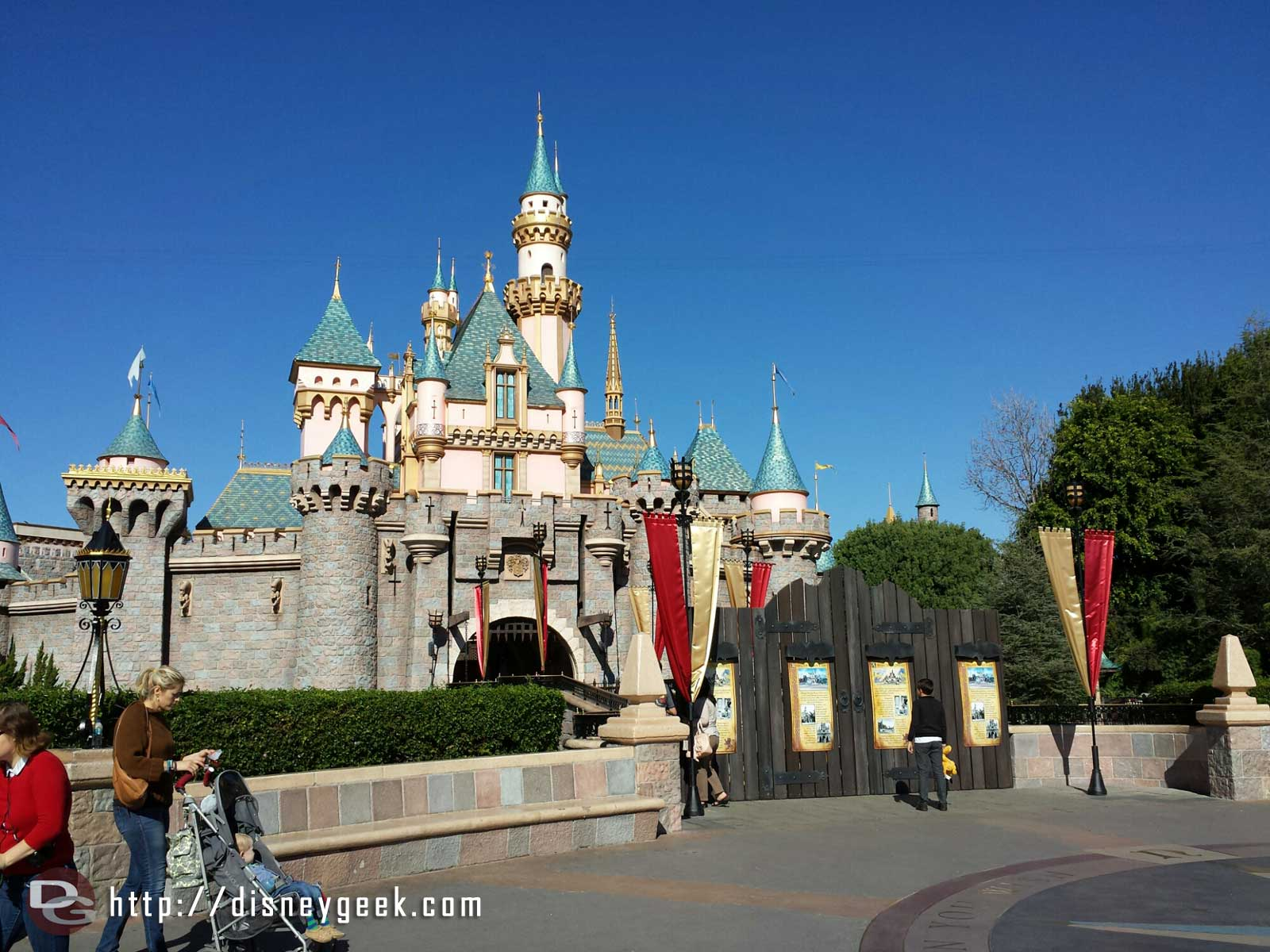 Sleeping Beauty Castle is closed and a wall is up blocking the walkway #Disneyland