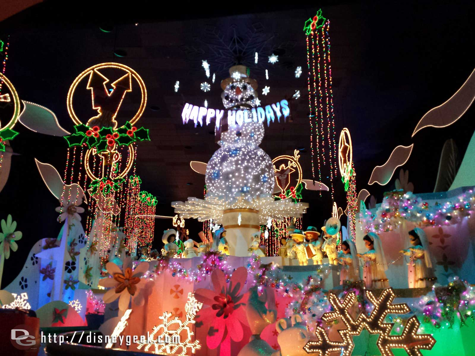 One last cruise on it's a Small World Holiday it closes Sunday #Disneyland