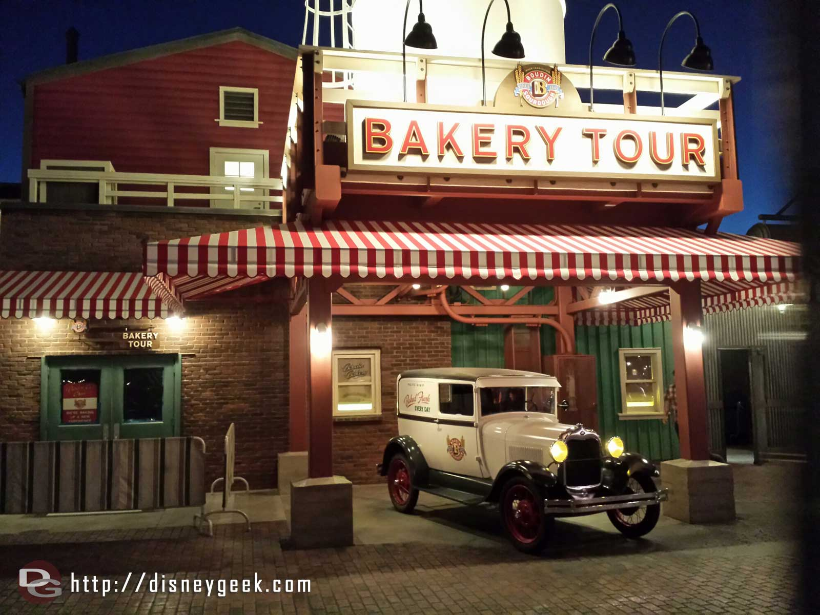 The new Bakery Tour sign, awning & truck