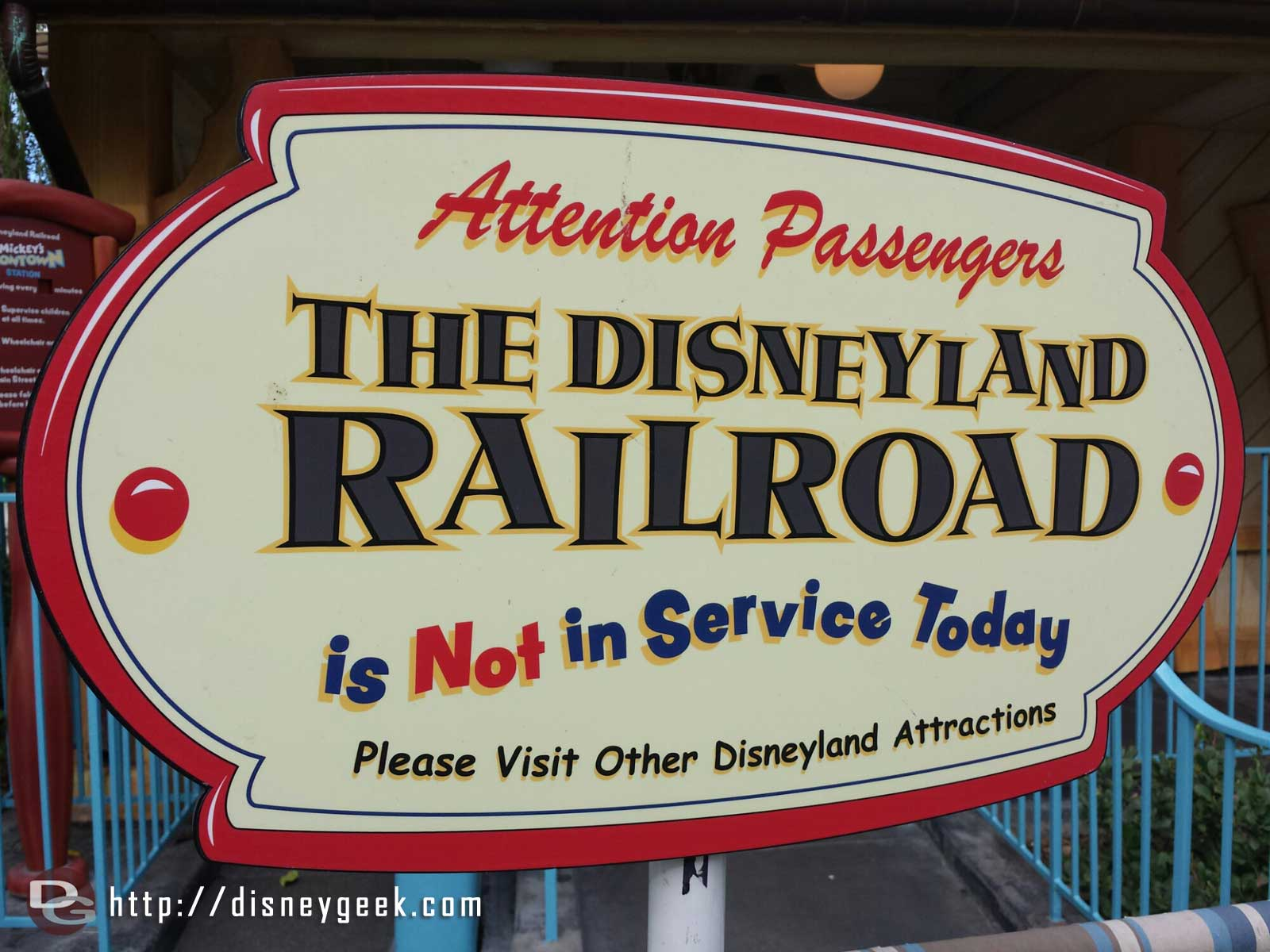 This week the #Disneyland Railroad has joined the list of closed attractions