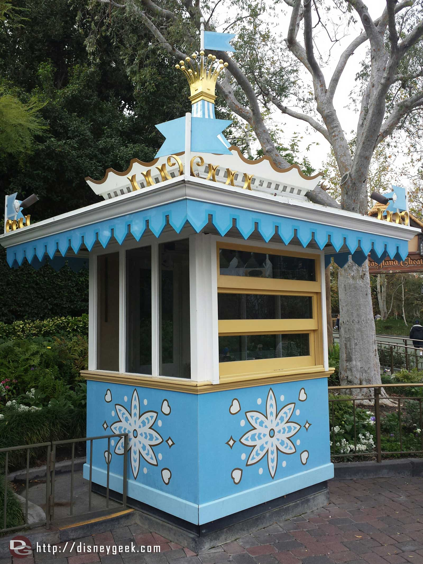 Wonder if there are any plans for this old ticket booth / Kodak kiosk for #Disneyland60 ?