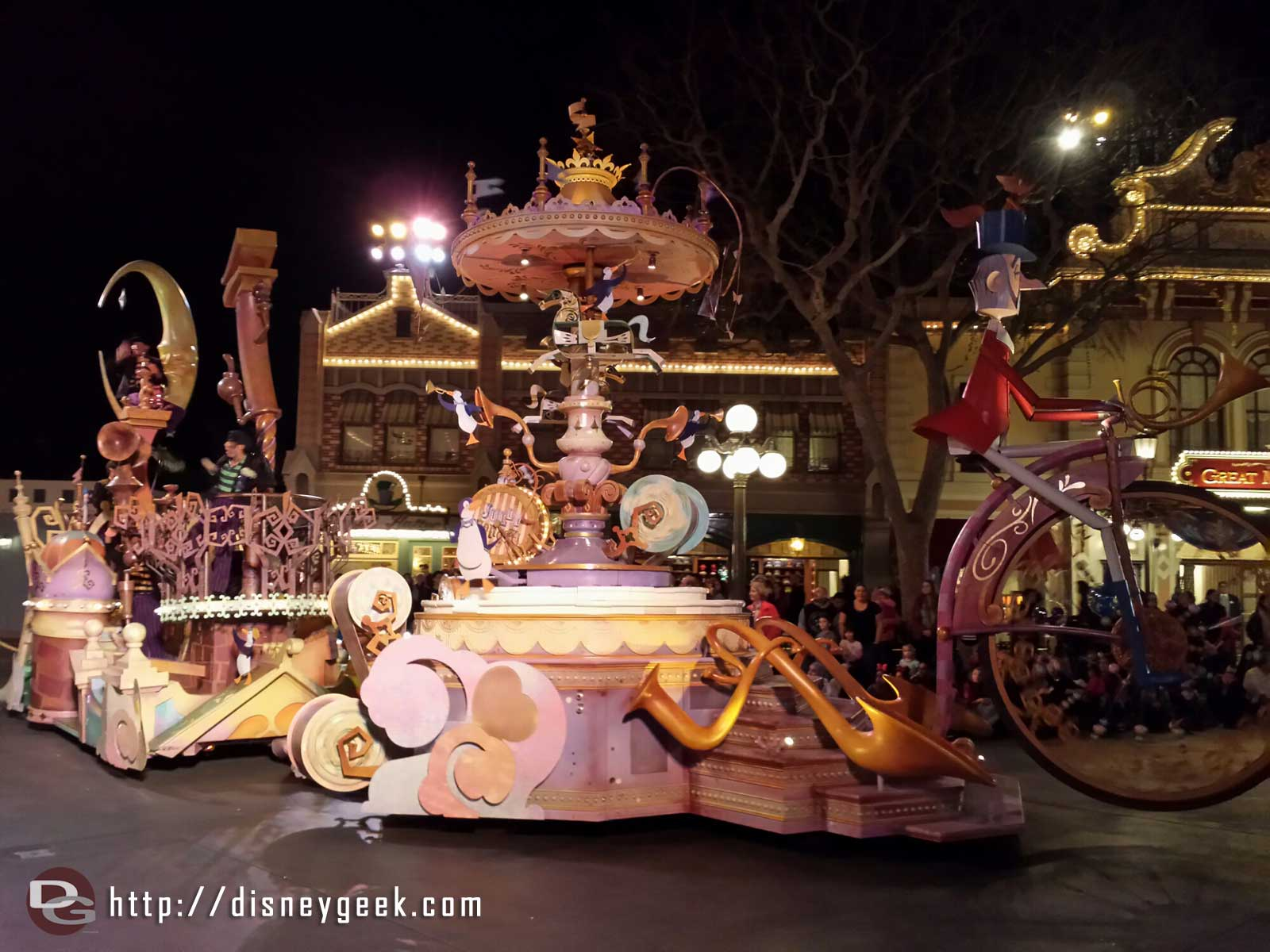 The Mary Poppins float #Soundsational #Disneyland