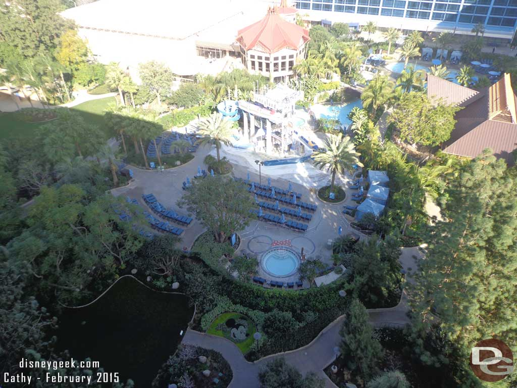 Disneyland Hotel - Monorail Pool and Minnie Spa