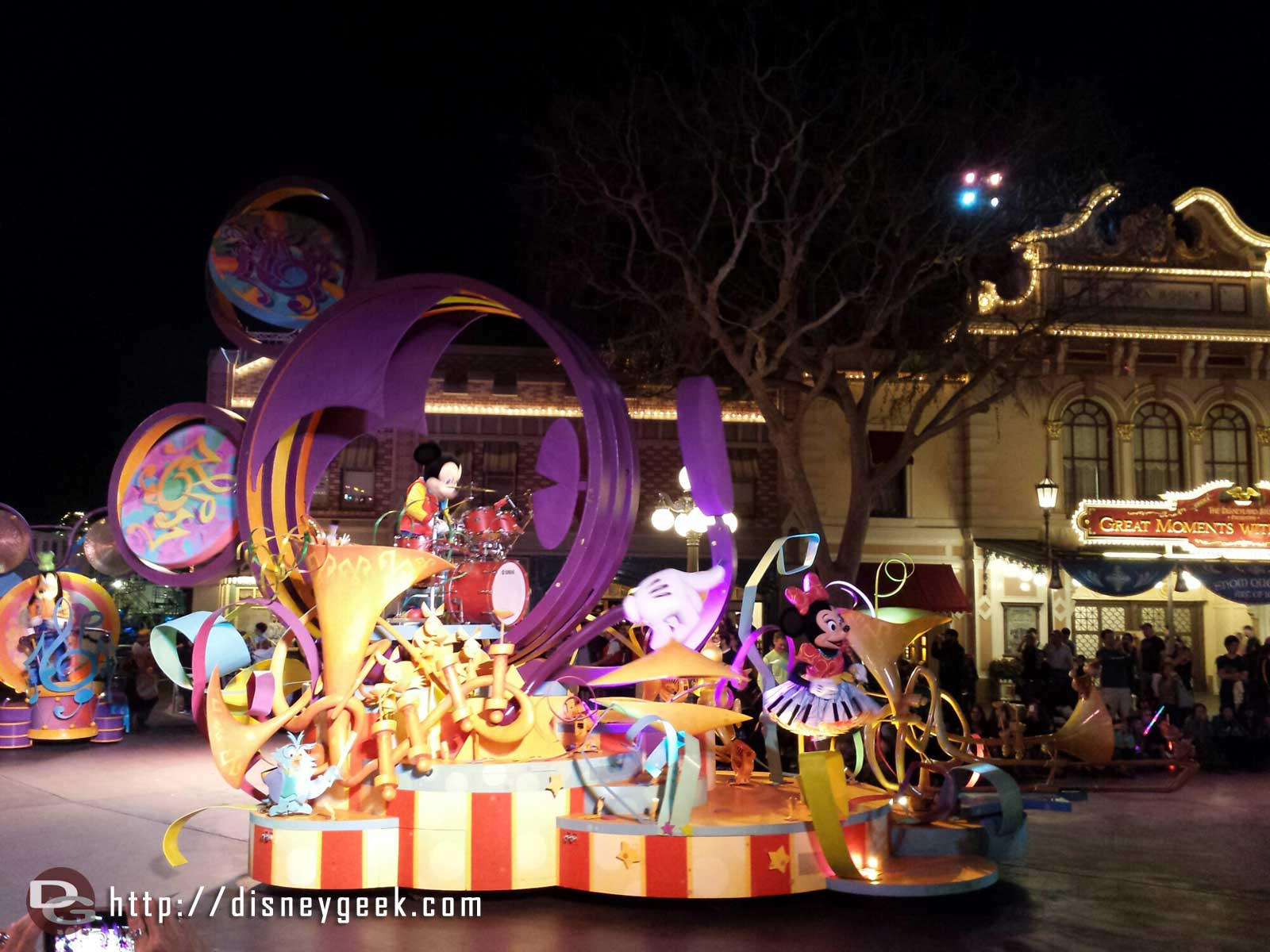 Mickey's Soundsational parade starting #Disneyland
