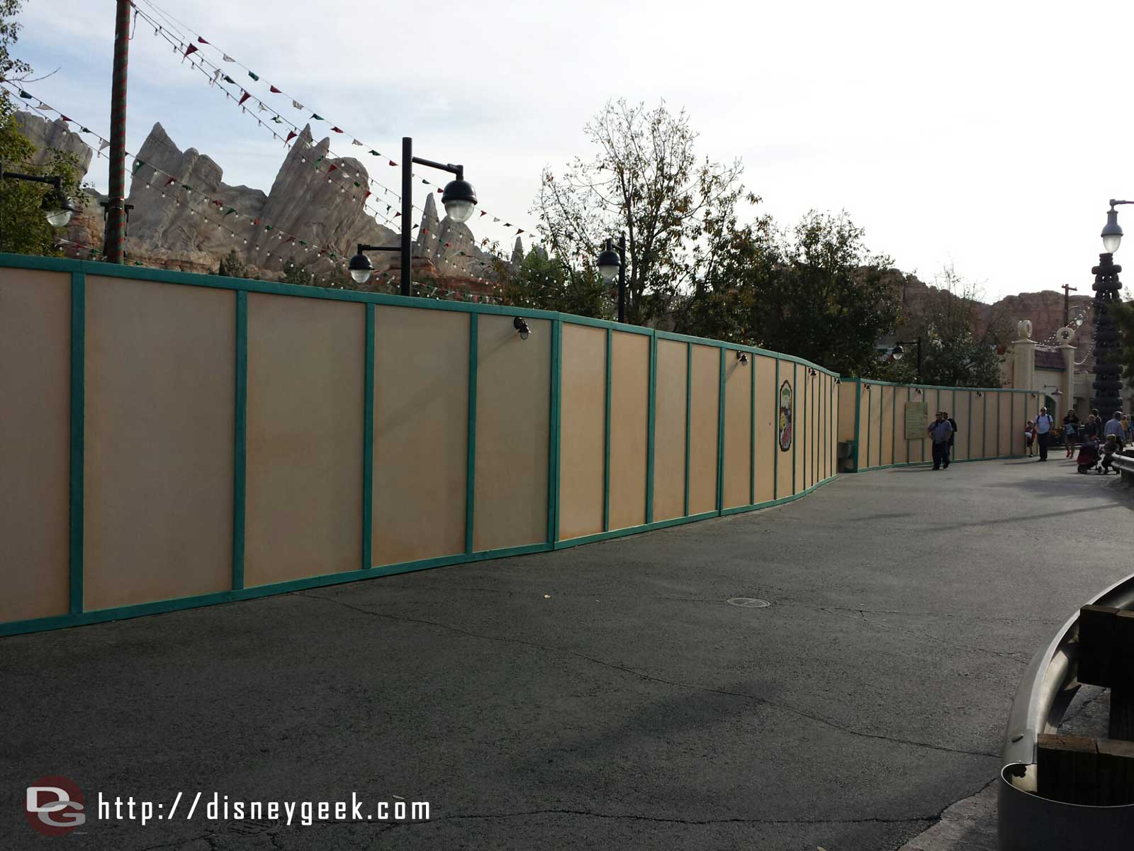 Walls up on Cross Street around the former Flying Tires #CarsLand