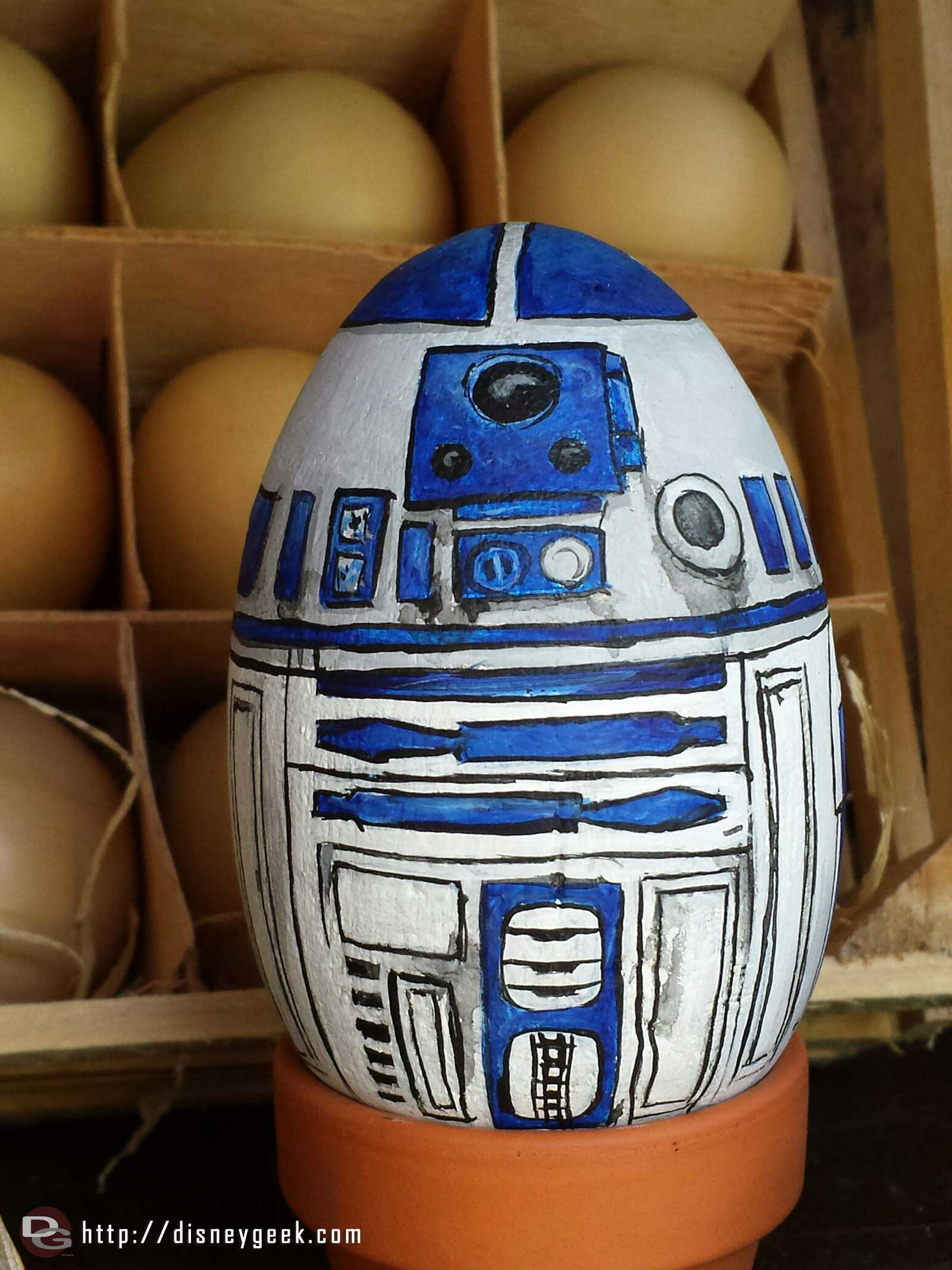 R2D2 egg at the Springtime Roundup #Disneyland #Starwars