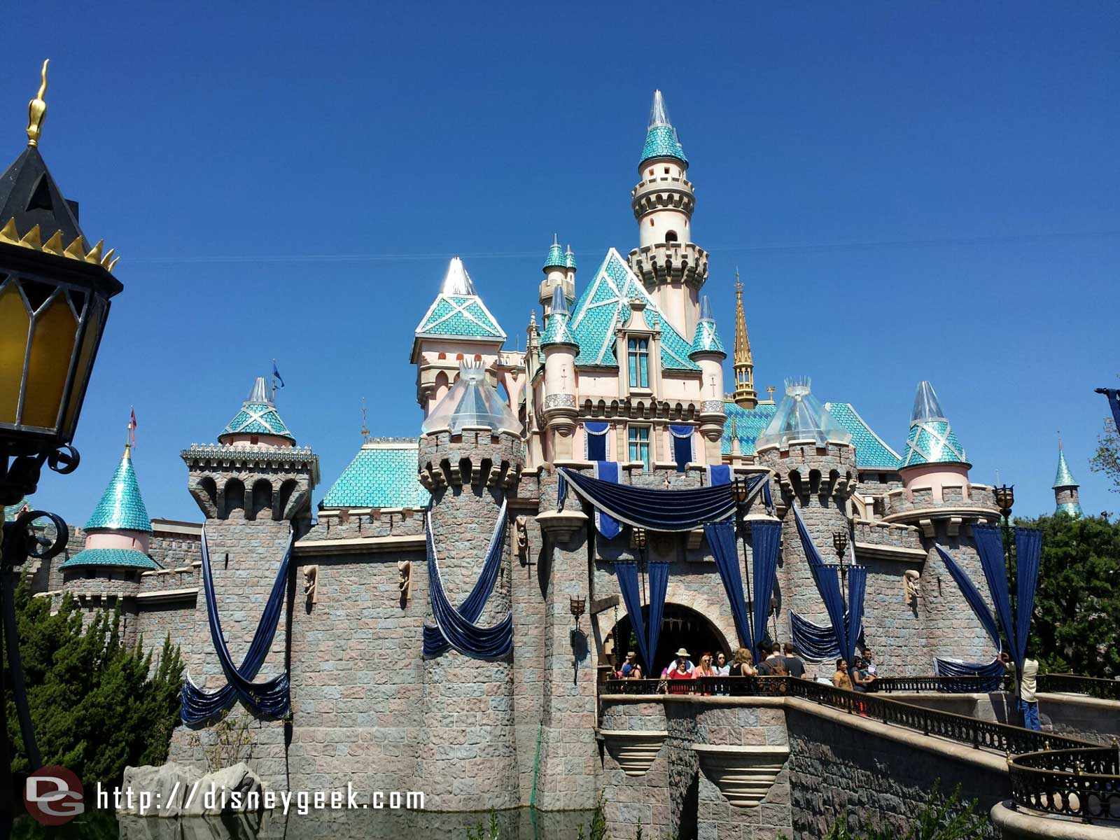 A closer look at Sleeping Beauty Castle & the current state of the #Disneyland60 overlay