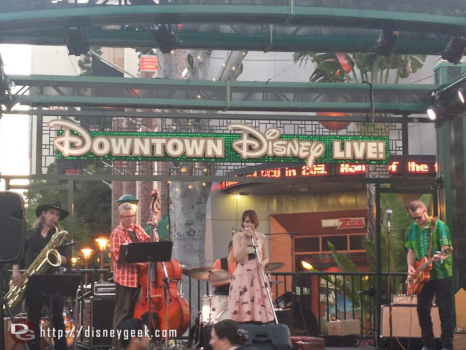 Maureen and the Mercury 5 performing in Downtown Disney tonight