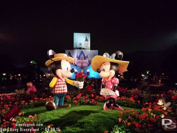Hong Kong Disneyland - Main Street USA - Springtime Photo Spot - Mickey & Minnie