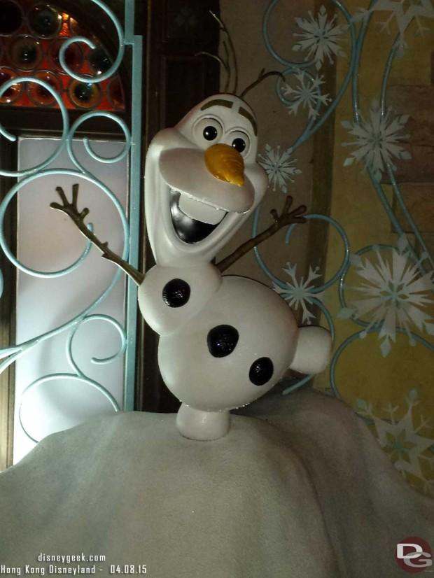 Hong Kong Disneyland - Fantasyland - Olaf at a photospot