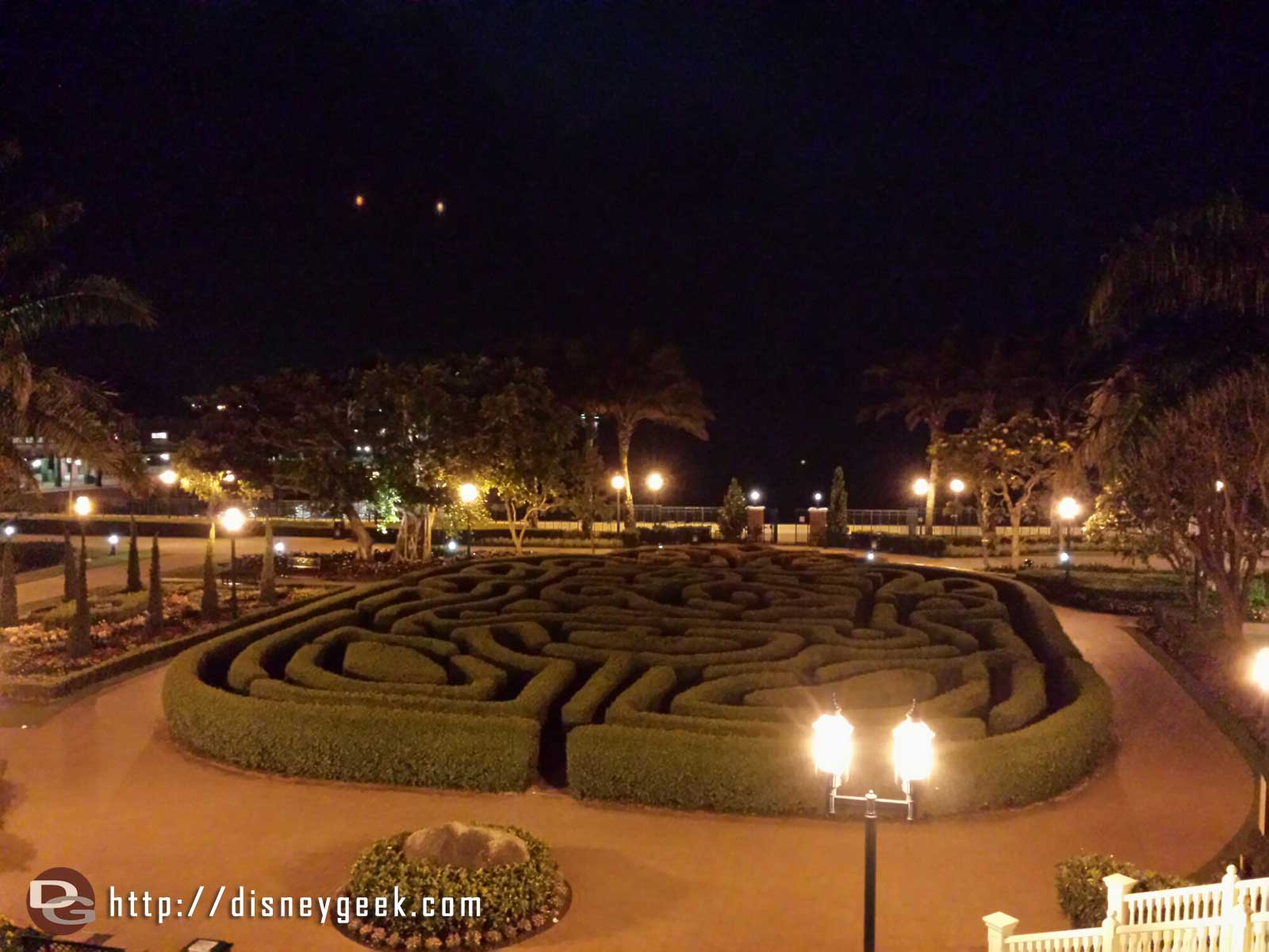 #HongKongDisneyland Hotel maze this evening (all is quiet since it is nearly midnight)