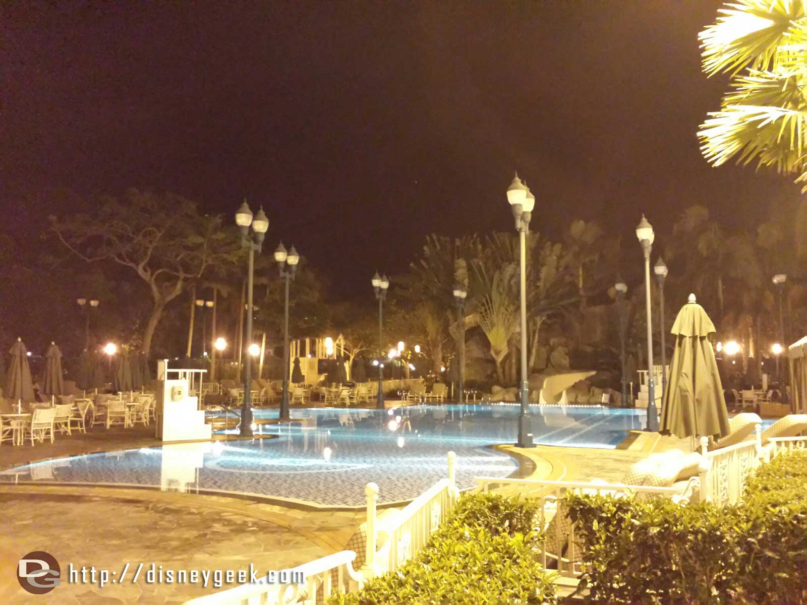 If you were curious the pool lights go out at midnight #HongKongDisneyland Hotel #hkdl