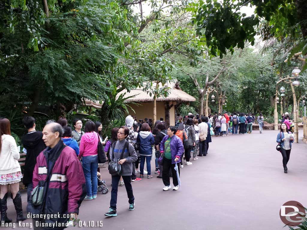 The line stretched from the castle to adventureland for pins #HongKongDisneyland