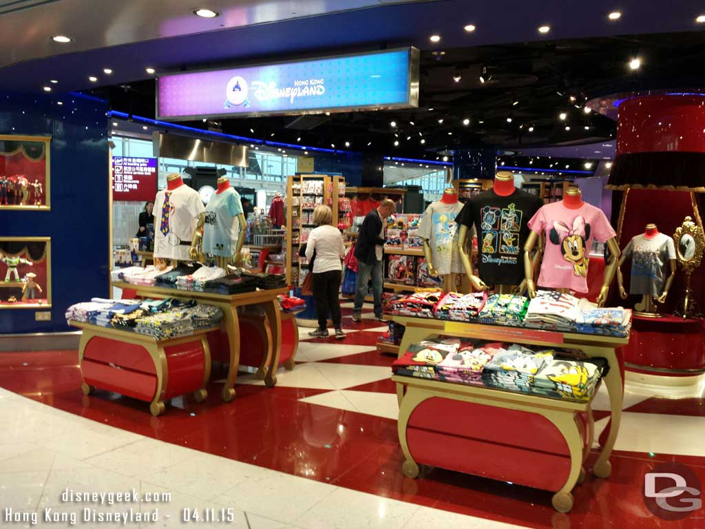 #HongKongDisneyland airport store