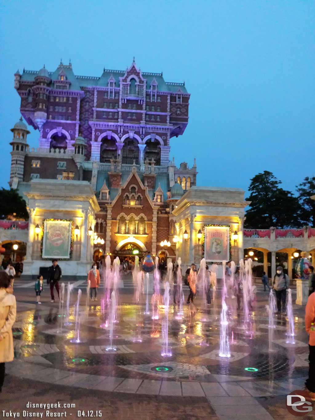 #TokyoDisneySea World of Color?  Fountains in front of the Tower of Terror #TDR