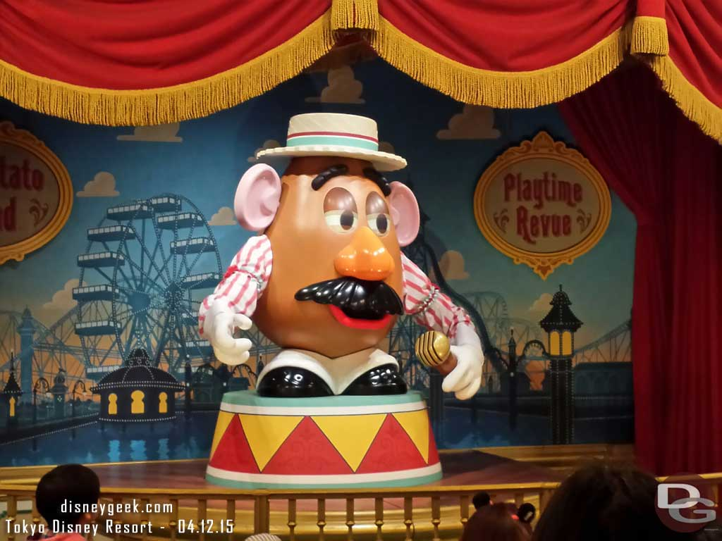 Mr. Potato Head putting on a show, in Japanese – #TokyoDisneySea #TDR