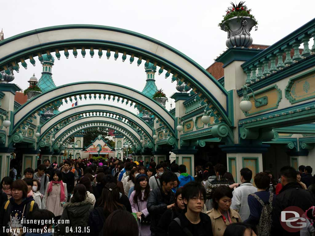 The Toy Story Mania FastPass distribution line behind me  #TokyoDisneySea