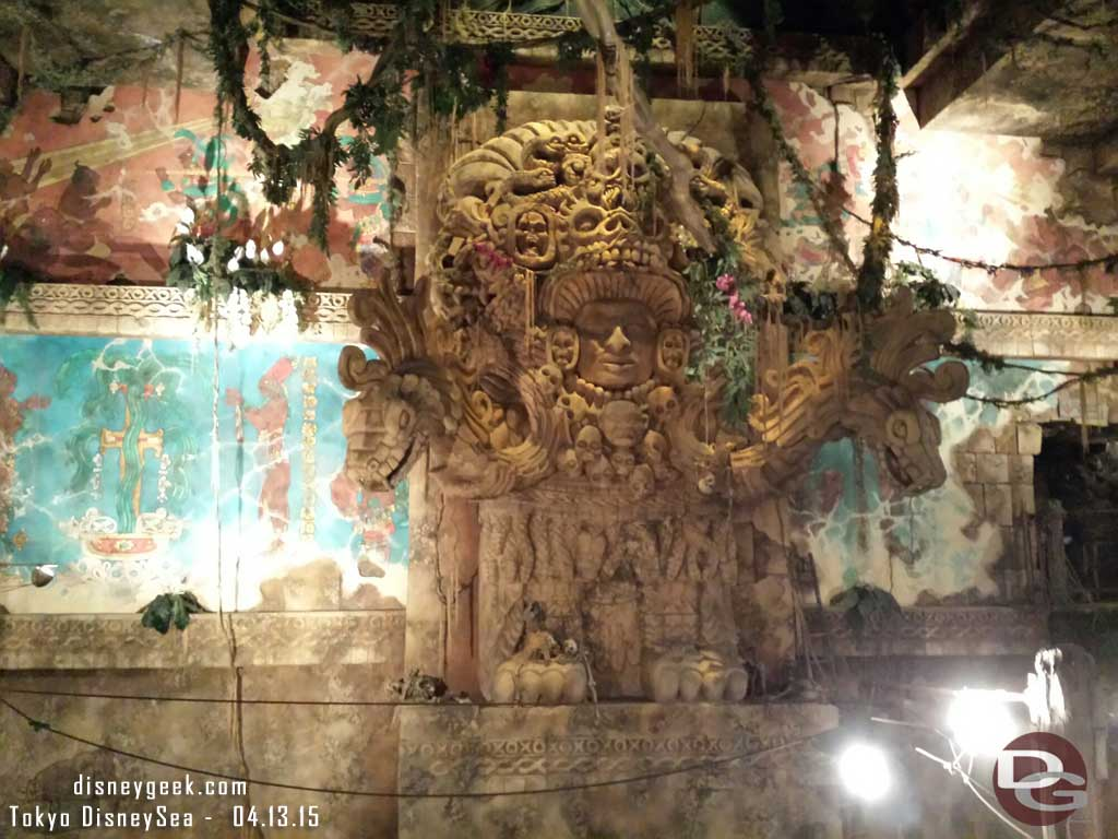 Indiana Jones Adventure queue #TokyoDisneySea #tdr
