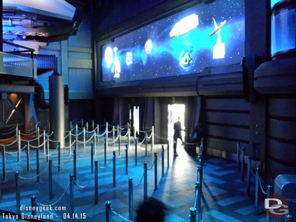 Nobody in line for Star Tours walked on #TokyoDisneyland