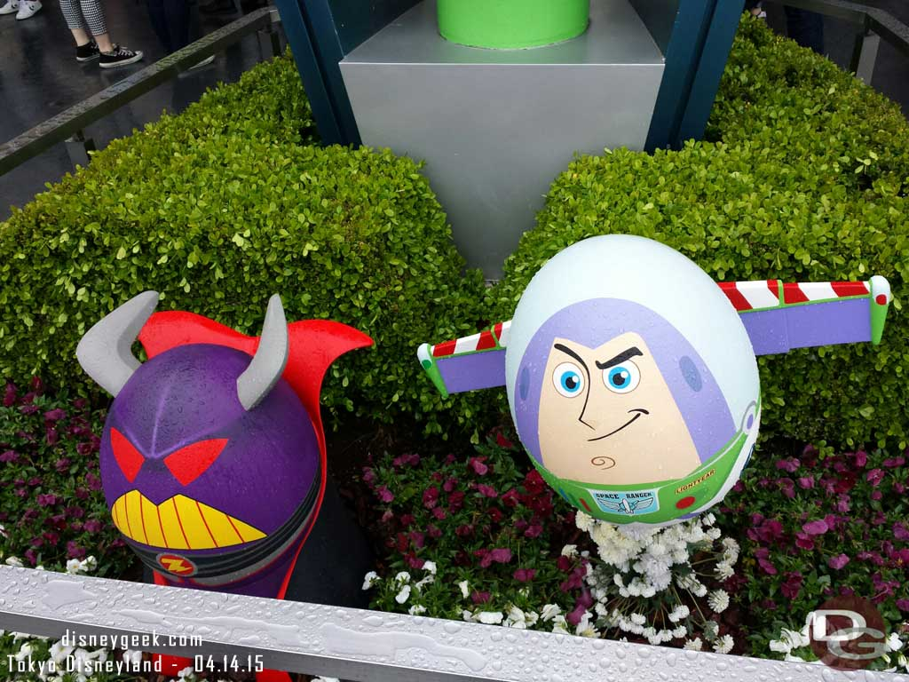 Buzz & Zurg eggs in Tomorrowland #TokyoDisneyland