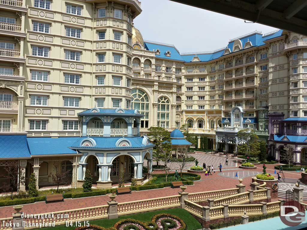 #DisneylandHotel from the Monorail station #TokyoDisneyland