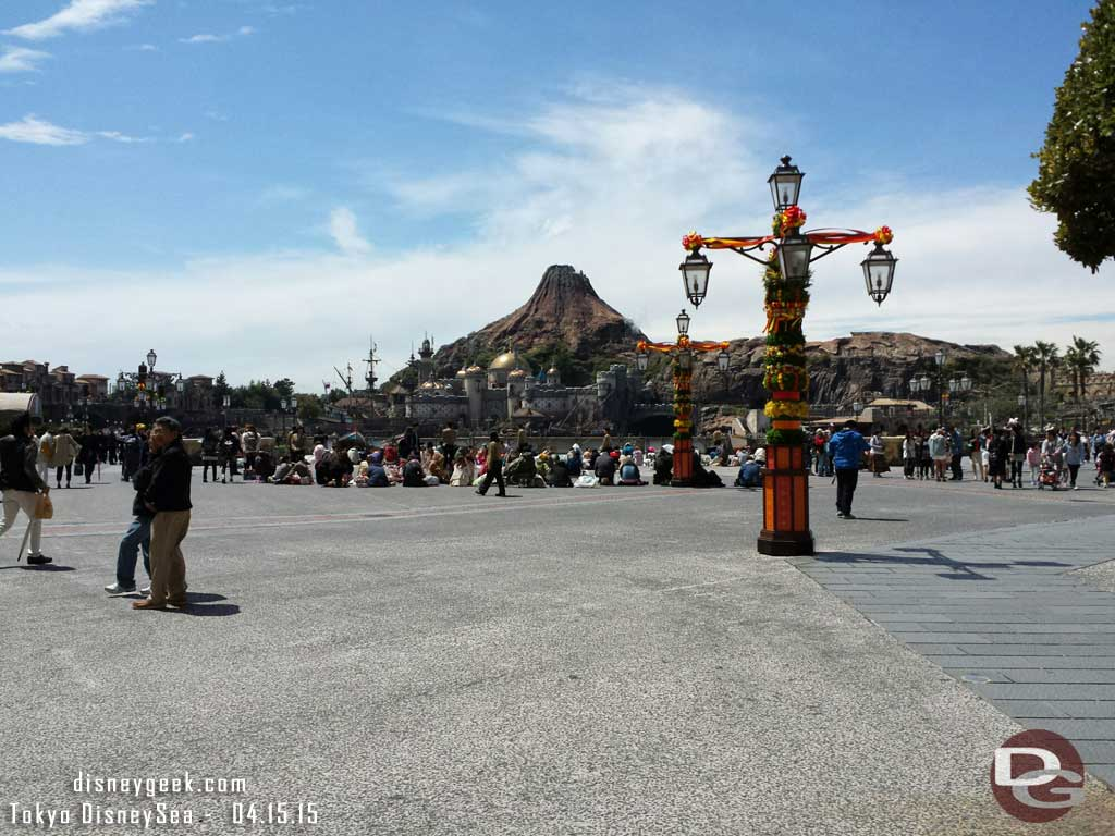 Guests waiting for the 2:30 show, its just after noon #TokyoDisneySea