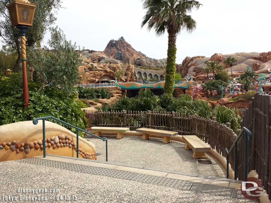 A sitting area with a great view along the walkway by Mermaid Lagoon #TokyoDisneySea