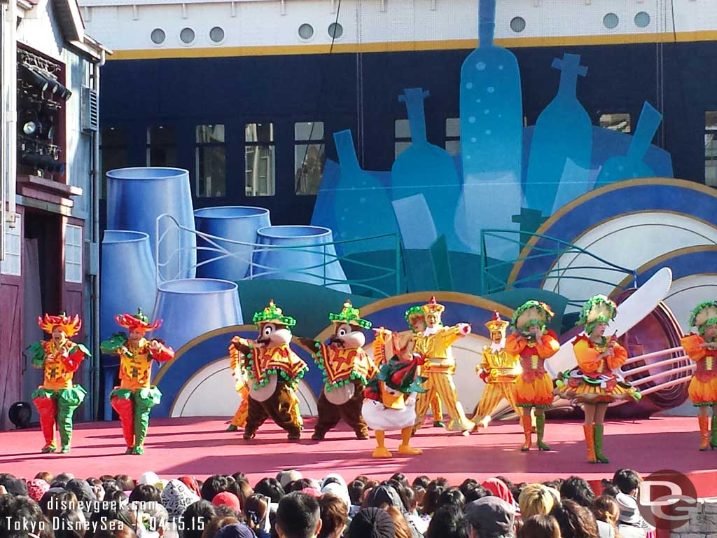 Donald, Chip & Dale – A Table is Waiting #TokyoDisneySea