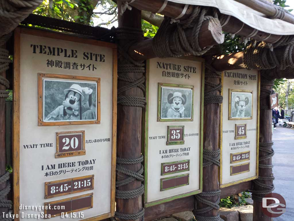 Character wait times in the Lost River Delta #TokyoDisneySea