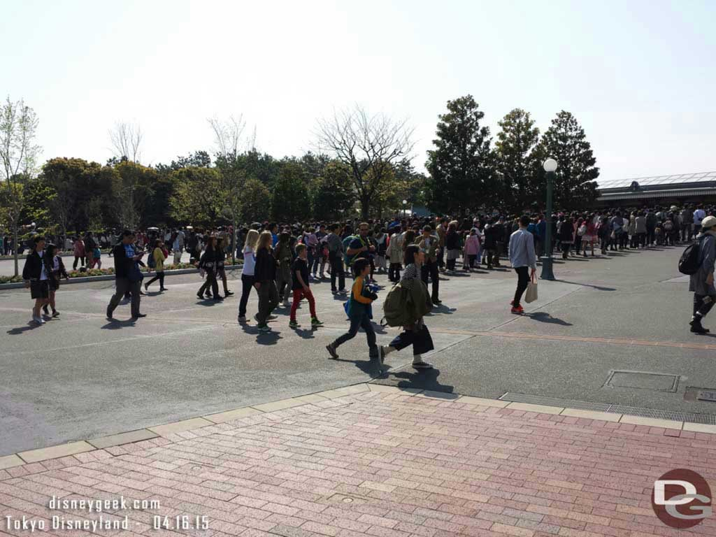 Longer lines to enter #TokyoDisneyland today