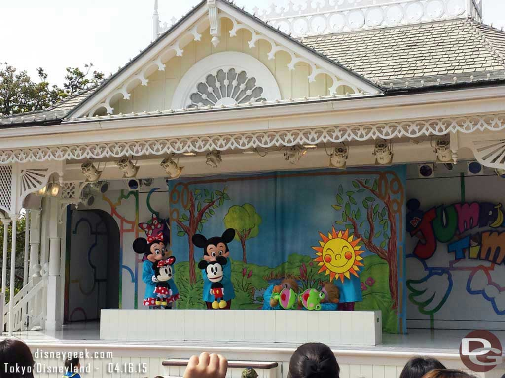 Mickey& Minnie in The Super-Duper Jumpin' Time show #TokyoDisneyland