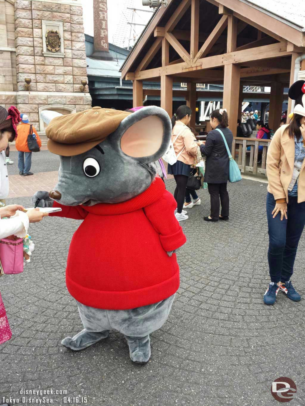 Bernard from the Rescuers out in the American Waterfront #TokyoDisneySea