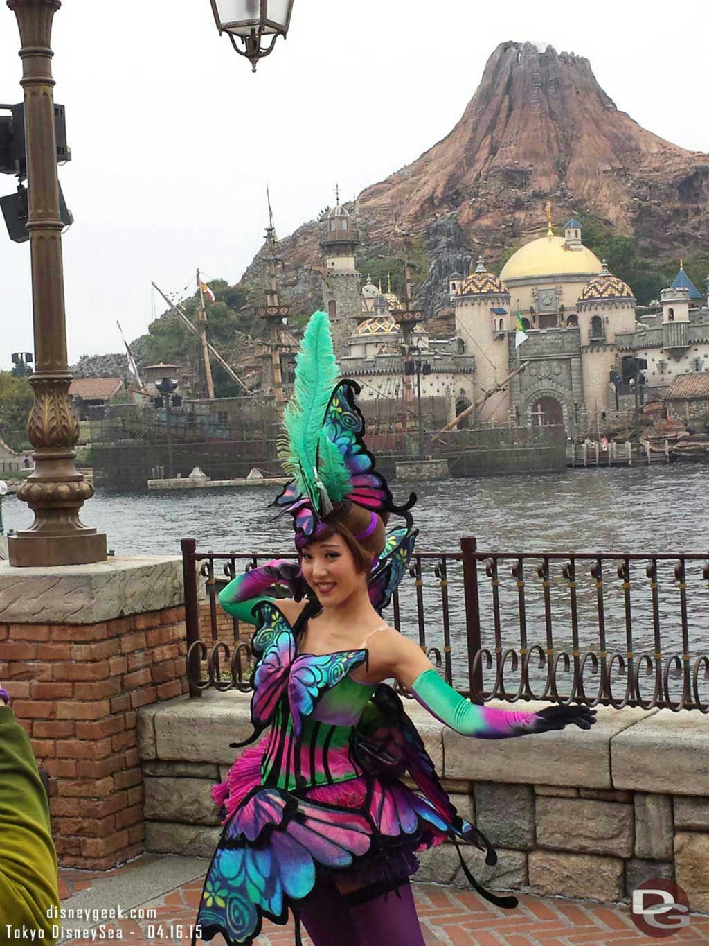 Passing by Fashionable Easter #TokyoDisneySea