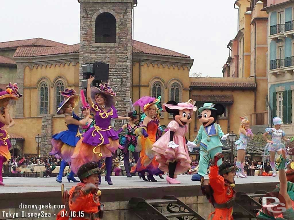 Mickey& Minnie during Fashionable Easter #TokyoDisneySea