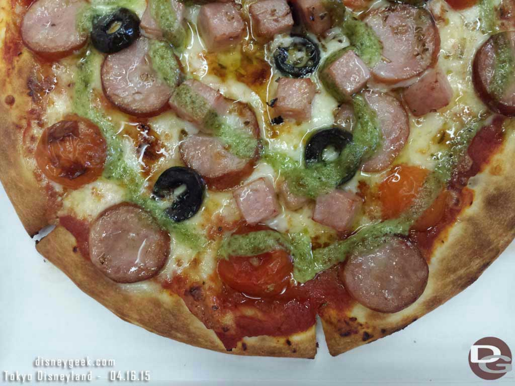 Double sausage pizza from Pan Galactic Pizza #TokyoDisneyland