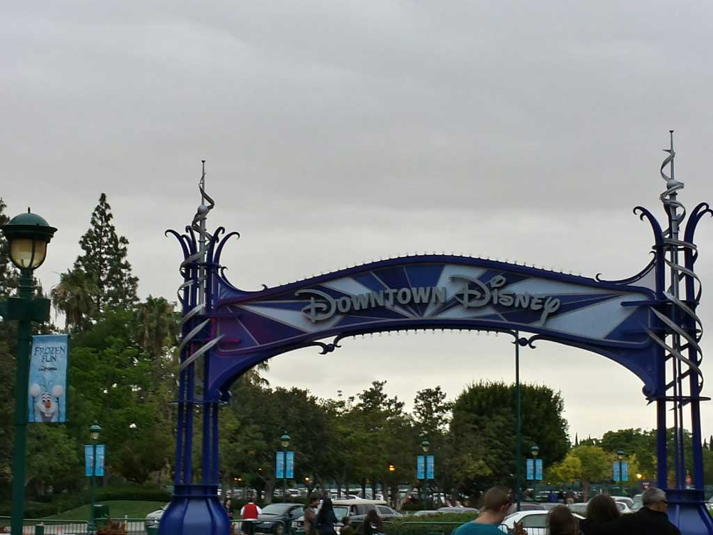 The Downtown Disney entrance arch near ESPN Zone is now blue for #Disneyland60