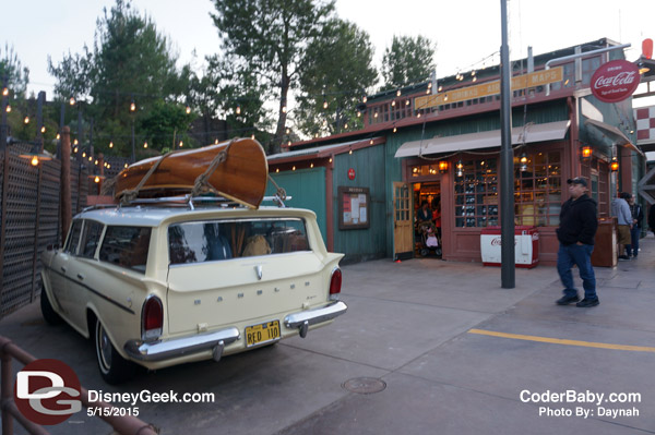 This vintage car in Grizzly Peak is packed with a family's luggage and souvenirs.
