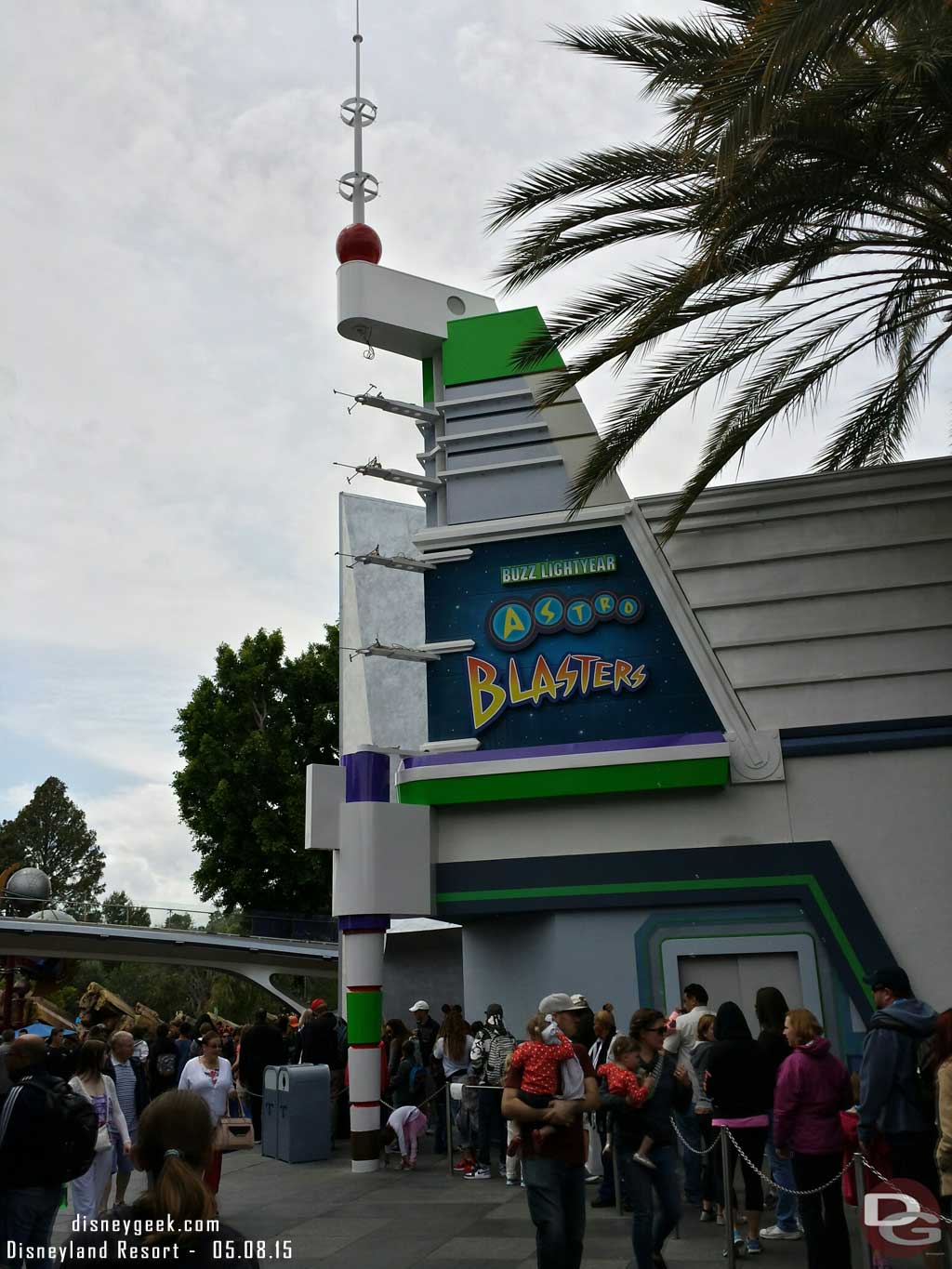 Buzz Lightyear has a new color scheme #Disneyland