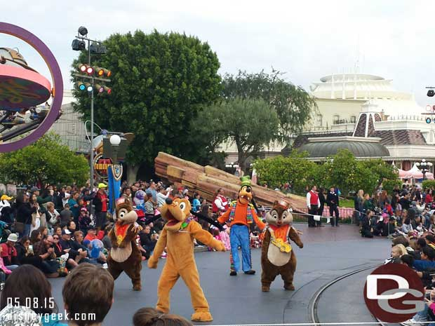 No drum for Goofy, Chip & Dale in Soundsational #Disneyland