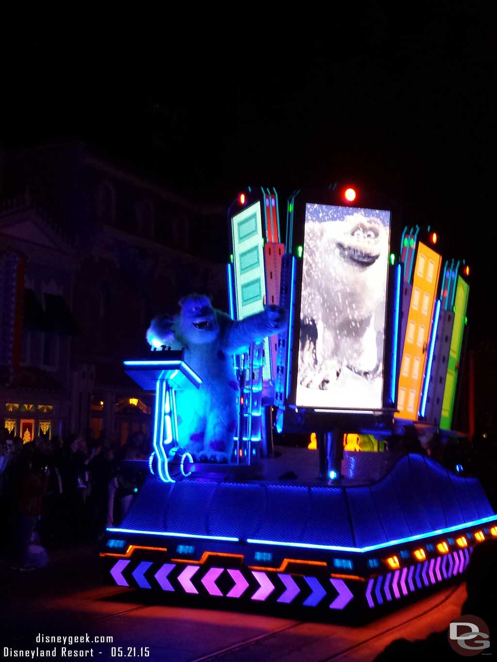 Monsters Inc – Paint the Night premiere #Disneyland60