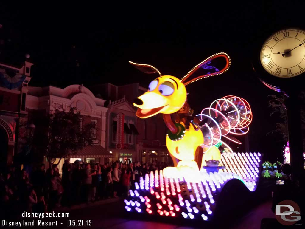 Slinky Dog Paint the Night premiere #Disneyland60