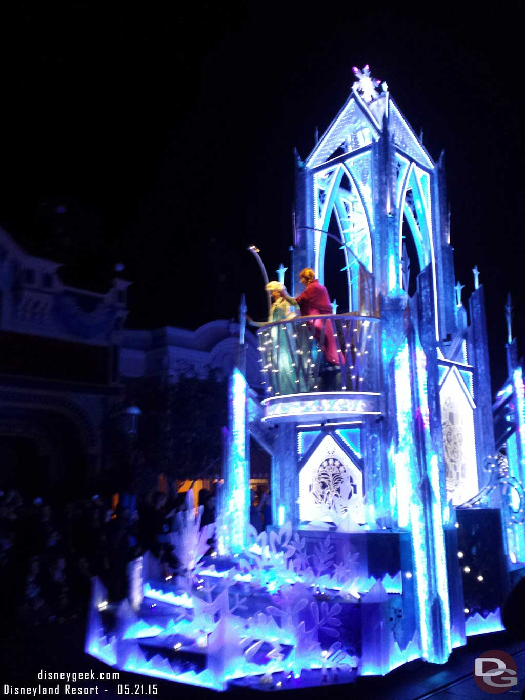 #Frozen Paint the Night premiere #Disneyland60