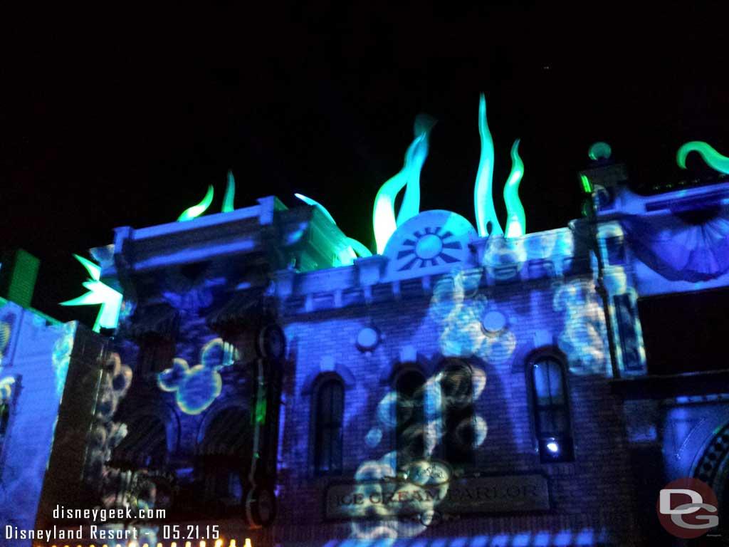 Finding Nemo with hidden Mickey Disneyland Forever Premiere #Disneyland60