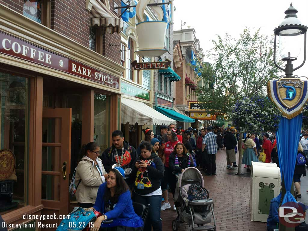 The Markethouse line stretches to Town Square #Disneyland60