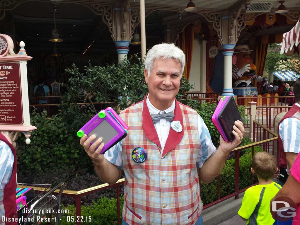 Toy Story Midway Mania now has Etch-a-sketchs to play with while you wait
